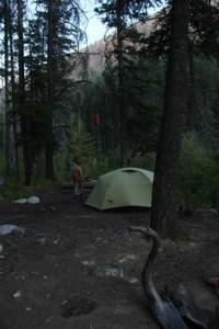 3-Zelt-mit-Lebensmittelsack